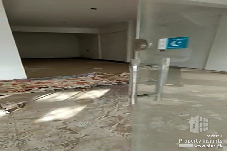 COMMERCIAL PROPERTY FOR SALE IN 9TH COMMERCIAL, DHA PHASE 4 Karachi
