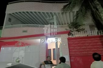 500 square yards bangalow for sale in Gulshan-e-Iqbal Block 7