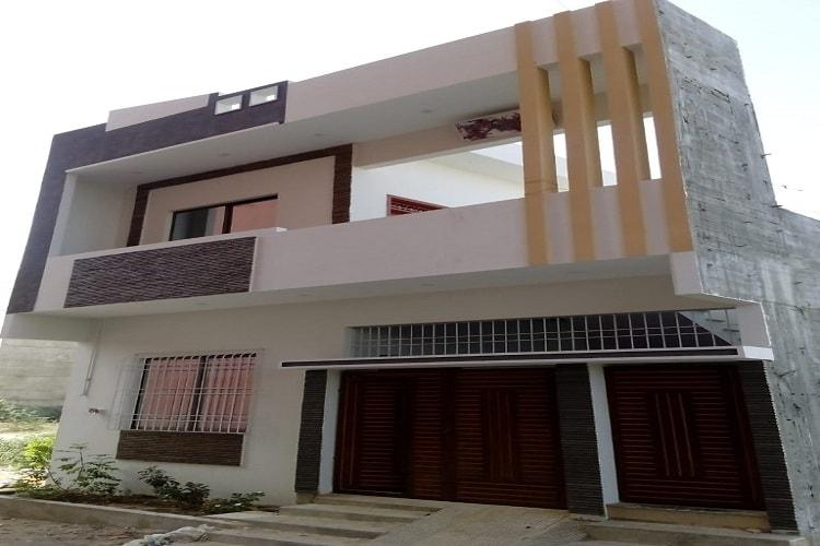 Brand New 120 yards House for Sale in Diamond City