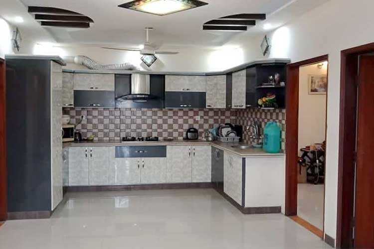 130 Sqy First Floor Portion For Rent